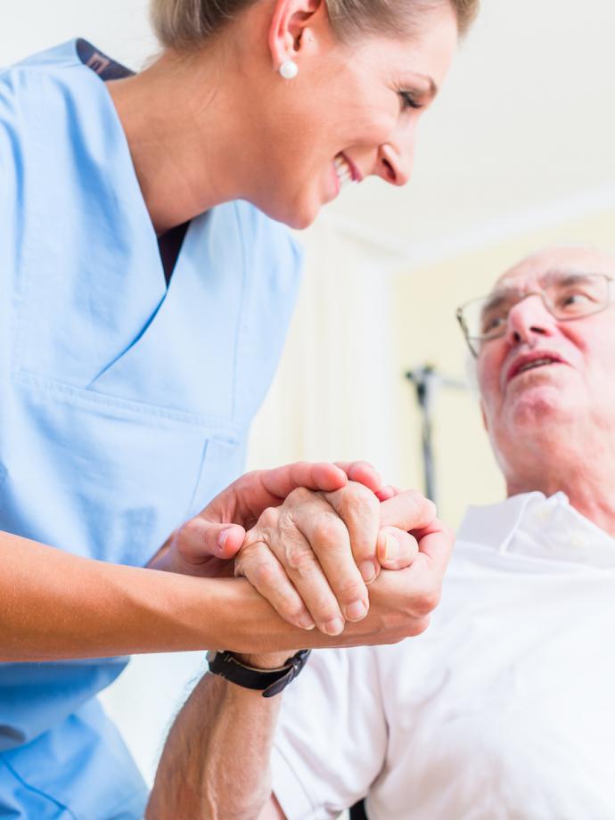 zatrudnię do opieki nad starszą osobą, opiekun osób starszych, szukam opiekunki do osoby starszej, praca opiekunka osób starszych