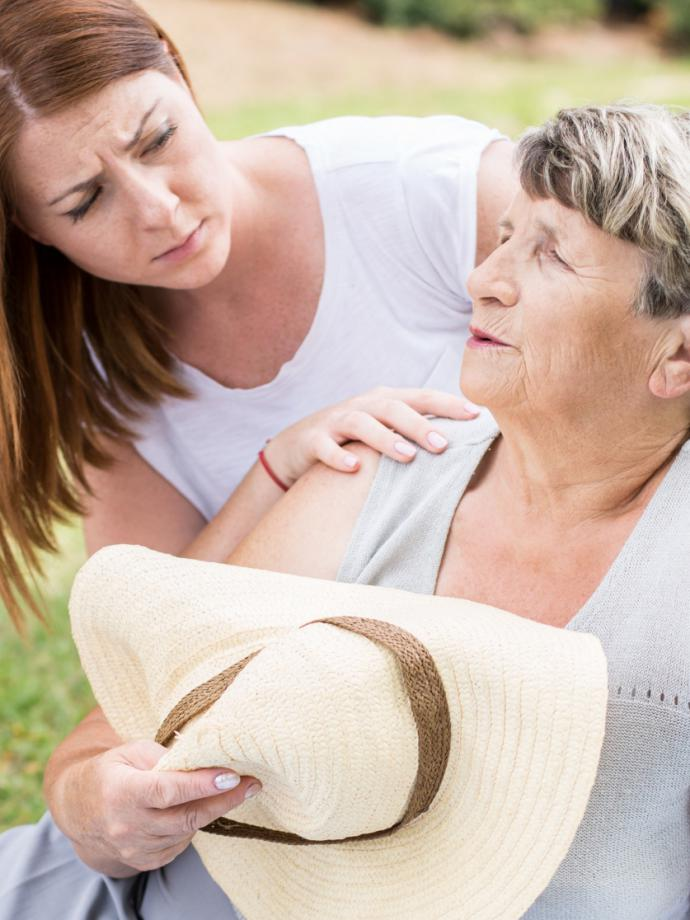opieka nad starszą osobą ile za godzinę, praca opiekunka osób starszych, szukam opiekunki do osoby starszej